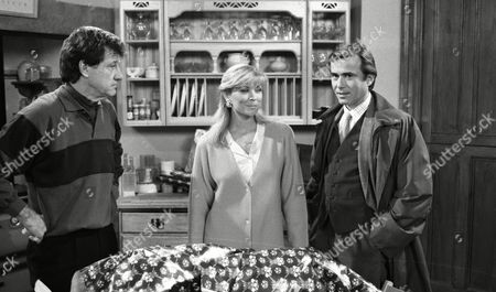 Claire King (as Kim Tate), Brian Deacon (as Neil Kincaid) and Norman Bowler (as Frank Tate) (Ep 1722 - 17th December 1992)