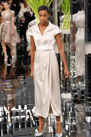 Karly Loyce on the catwalk