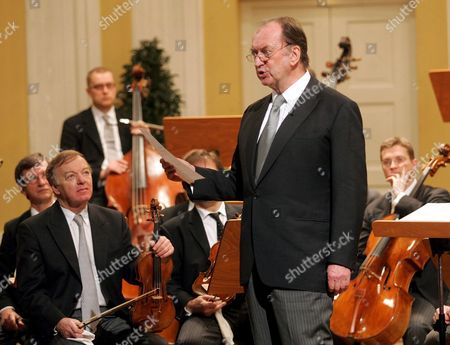 Conductor Nikolaus Harnoncourt Greets the Audience Prior to the Start of the Concert on the Occasion of the Ceremonial Act That Marks the Beginning of the 'Mozart Year' at the Mozarteum in Salzburg Friday 27 January 2006 Today is the 250th Anniversary of the Birth of Composer Wolfgang Amadeus Mozart on January 27 1756 Austria Salzburg