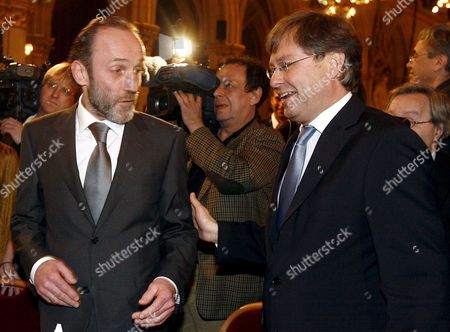 Austrian Actor Karl Markovics (l) Chats with Orf Managing-director Alexander Wrabetz During the 'Gala Zu Ehren Des Oscar-preistraegers Stefan Ruzowitzky' (literally: 'Gala in Honour of Oscar Awardee Stefan Ruzowitzky') at the Townhall in Vienna Austria 05 March 2008 Ruzowitzky Won the Academy Award For Best Foreign Language Film During the 80th Annual Academy For His Movie 'The Counterfeiters ' in Which Markovics Plays the Lead Role Epa/herbert P Oczeret Austria Vienna