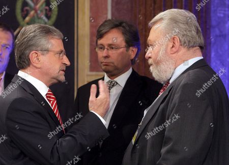 (l-r) Candidate of the Oevp Wilhelm Molterer Talks with Alexander Wrabetz and Elmar Ohberhauser of Austrian Television Channel Orf Before the Start of a Televised Debate Ahead of the Austrian Parliament Elections in Vienna Austria on 25 September 2008 Austrians Go to the Polls For Early Elections on 28 September Austria Vienna