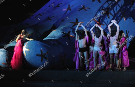 Stock Image of A Picture Dated 22 July 2009 Shows Spanish Mezzo-soprano Maria Jose Montiel (l) As 'Amneris' Performing During the Premiere of the Opera 'Aida' by Giuseppe Verdi at the Floating Stage on Lake Constance in Bregenz Austria the Bregenz Festival Runs From 22 July to 23 August Austria Bregenz