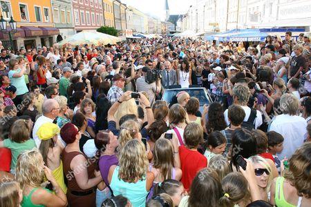 'Germany's Next Top Model' Alisar Ailabouni (c) Visits 03 July 2010 a Festival in Her Hometown Mattighofen (upper Austria) with Friedrich Schwarzenhofer (l) Mayor of Mattighofen While Driving a Convertible Austria Mattighofen