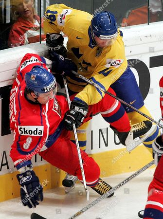 Sweden's Peter Nordstrom (r) Clashes with Czech Marek Zidlicky During Their Ice Hockey World Championships Semi-final Match in Vienna 14 May 2005 Austria Vienna