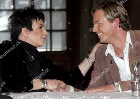 Oscar Winner Us Actress Liza Minelli (l) and Markus Langes-swarovski Member of the Board of Executive Directors of the Swarovski Group the World's Leader in the Manufacture of Cut Crystal Attend a Press Conference on 13th Vienna Life Ball 21 May 2005 Austria Vienna