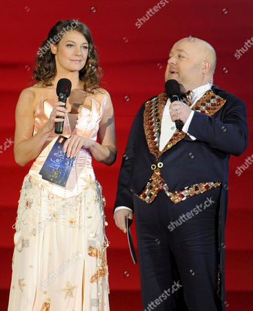 German Actress Elke Winkens and German Comedian Dirk Bach on Stage As They Attend the 'Life Ball 2009' at the Vienna Rathausplatz Vienna Austria on 16 May 2009 the Life Ball is Europe's Largest Event For the Fight Against Aids/hiv and Since Its First Year in 1993 the Life Ball Has Evolved to a Charity Attended by Celebrities and Politicians Every Year Austria Vienna