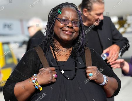 Us Singer Randy Crawford Arrives For the Life Ball Gala at the Airport Vienna-schwechat Austria 18 May 2012 the 20th Life Ball an Annual Charity Fundraiser For Hiv and Aids Projects Takes Place at the Vienna City-hall on 19 May Austria Schwechat