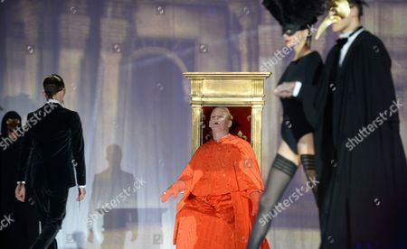 German Actor Ben Becker (c) Performs on Stage During the Fashion Show of the 'Life Ball 2014' at the City Hall Square in Vienna Austria 31 May 2014 the Charity Event Benefits Projects For the Fight Against Hiv/aids Austria Vienna