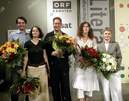 Prize Winners at the 29th German Literature Day in Klagenfurt Austria (l to R) Sasa Stanisic (kelag-public's Choice) Julia Schoch (jury Award) Thomas Lang (bachmann Prize) Anne Weber (3sat Prize) and Natalie Balkow (willner Prize); Sunday 26 June 2005 Austria Klagenfurt