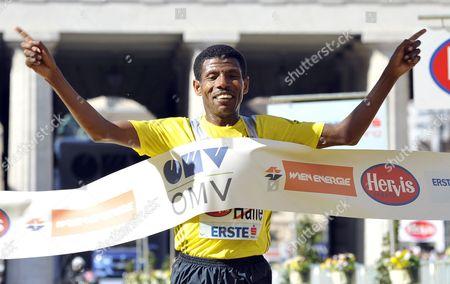 Ethiopian Haile Gebrselassie Crosses the Finish Line to Win the Vienna City Half Marathon During the 30th Vienna City Marathon 2013 in Vienna Austria 14 April 2013 Austria Vienna