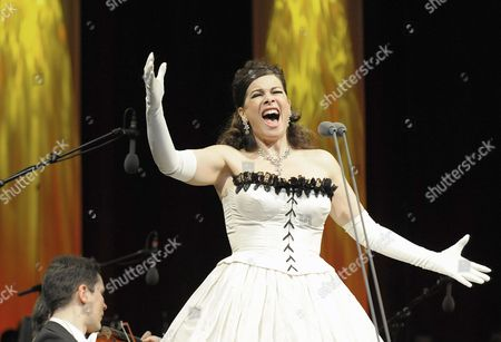 Russian Opera Singer Natalia Ushakova Performs During the Concert 'Best of Christmas' in the City Hall in Vienna Austria 10 December 2010 Austria Vienna