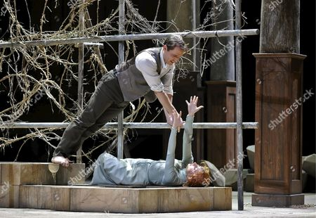 Stock Image of A Picture Made Available on 11 January 2009 Shows Opera Singers Stephane Degout (l) As 'Pelleas' and Natalie Dessay As 'Melisande' Performing During a Photo Rehearsal of Claude Debussy's Opera 'Pelleas Et Melisande' in Vienna Austria 10 January 2009 the Opera Will Be Premiered at the 'Theater an Der Wien' on 13 January 2009 Austria Vienna
