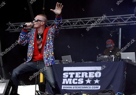 Singer Rob Birch (l) and Dj Nick Hallam of the Band 'Stereo Mcs' Perform in Concert on the 'Sun Stage' of the Nuke Festival in St Poelten Austria 18 July 2008 the Festival Takes Place From 18 to 19 July 2008 Austria St. Poelten