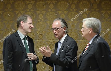 Stock Photo of Vienna Philharmonic Chairman Clemens Hellsberg (l) Talks to Executive Director of the Konzerthuset Stockholm Stefan Forsberg (c) and Birgit Nilsson Foundation President Rutbert Reisch (r) After the Announcement That the Birgit Nilsson Prize 2014 That Will Be Awarded to the Vienna Philharmonic Orchestra in Vienna Austria 09 April 2014 the International Music Prize Giving Ceremony Will Take Place in Stockholm Sweden 08 October Birgit Nilsson was a Swedish Dramatic Soprano (1918-2005) Austria Vienna