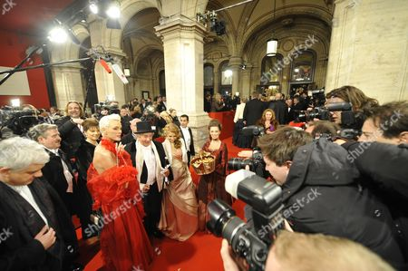 (l-r) Danish Actress Brigitte Nielsen Buisnessman Richhard Lugner and His Girlfriend Anastasia 'Katzi' Sokol Pose For the Media During Their Arrival For the Opera Ball 2012 at the Vienna State Opera in Vienna Austria 16 February 2012 Austria Vienna