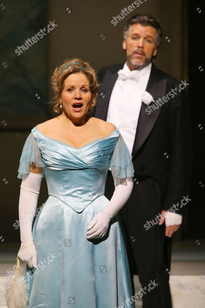 A Picture Made Available on 11 April 2014 Shows Us Bariton Thomas Hampson (r) As Mandryka and Compatriot Soprano Renee Fleming (l) As Arabella Performing During the Rehearsal of Johann Strauss' Opera 'Arabella' in Salzburg Austria 08 April 2014 the Opera Will Premiere on 12 April in the Course of the Easter Festival Salzburg Austria Salzburg
