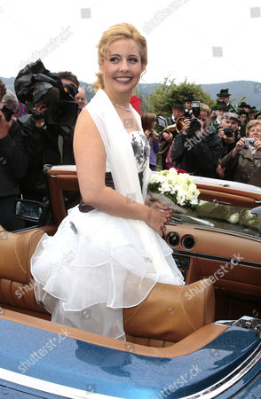 German Singer Iva Mihanovic Arrives For Her Wedding Dinner at a Restaurant in Preitenegg Carinthia Austria 20 August 2013 the 82-year-old Austrian Actor Maximilian Schell Married His 35-year-old Partner Mihanovic in a Private Ceremony on His Estate in Oberpreitenegg Austria Preitenegg