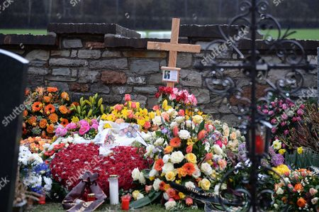 A View of the Grave of Austrian-born Folk Music Presenter Karl Moik ('musikantenstadl') in Oberalm Austria 30 March 2015 Moik Died at the Age of 76 in a Hospital in Salzburg on 26 March 2015 Austria Oberalm
