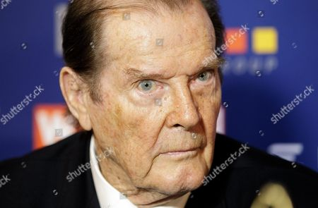 British Actor Sir Roger Moore Looks on During a Press Conference Prior the Gala Evening Event 'Look! Women of the Year-awards 2015' in Vienna Austria 17 November 2015 Around 700 Guests Are Expected to Attend the Event Austria Vienna