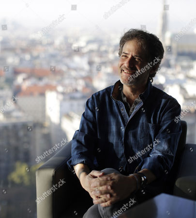 Us Composer Conductor and Orchestrator of Orchestral and Film Music James Horner Poses During an Interview with the Austria Press Agency (apa) in Vienna Austria 03 October 2013 Horner Will Receive the 'Max Steiner Film Music Achievement Award' Donated by the City of Vienna on 04 October Austria Vienna