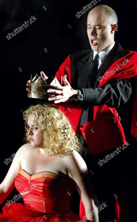 Netta Or As Aspasia (l) and Bejun Mehta As Farnace Perform During Dress Rehearsal's For Wolfgang Amadeus Mozart's Opera 'Mitridate Re Di Ponto' to Be Premiered at the Salzburg Festival Next Thursday During Dress Rehearsals in Salzburg Late Monday 25 July 2005 Austria Salzburg