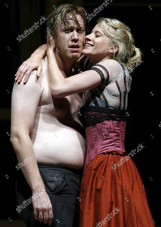 Nicholas Ofczarek (l) and Caroline Peters During the Rehearsal of Johann Nestroys' Act 'Hoellenangst' (terrible Fear) Ahead of the Salzburg Festival in Salzburg Austria Friday 21 July 2006 the Premier of Hoellenangst Will Be Held on Sunday 23 July 2006 Austria Salzburg
