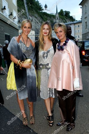 Princess Gloria Von Thurn Und Taxis and her daughters Princess Elisabeth von Thurn und Taxis and Princess Maria Theresia von Thurn und Taxis at the Premiere of the Opera 'Elektra'
