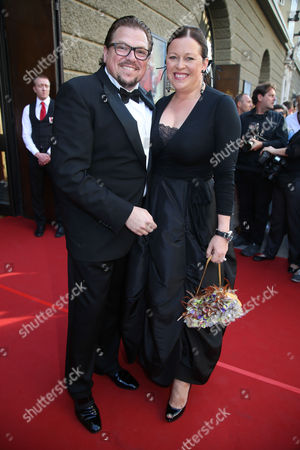 Tenor Michael Schade (l) and Wife Dee Mckee (r) Arrive For the Opera Premiere of 'Der Rosenkavalier' (the Knight of the Rose) at the Salzburg Festival 2014 in Salzburg Austria 01 August 2014 the 94th Salzburg Festival Runs Until 31 August Austria Salzburg