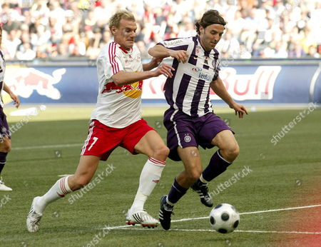 Red Bull Salzburg's Alexander Zickler (l) Fights For the Ball with Austria Wien's Joachim Standfest (r) in Salzburg Austria 20 April 2008 Austria Salzburg