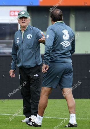 Head Coach of Ireland Giovanni Trapattoni (l) Gestures During a Training Session in Vienna Austria 09 September 2013 Ireland Plays Against Austria in a Fifa World Cup 2014 Qualification Match in Vienna on 10 September 2013 Austria Vienna
