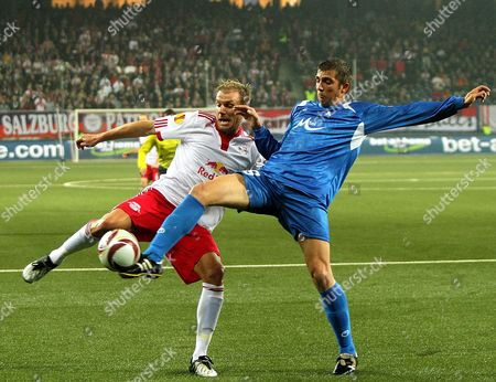 Salzburg's Alexander Zickler (l) Fights For the Ball with Yordan Miliev of Sofia During the Uefa Europa League Match Between Red Bull Salzburg and Levski Sofia at the Wals-siezenheim Stadium in Salzburg Austria 22 October 2009 Austria Salzburg