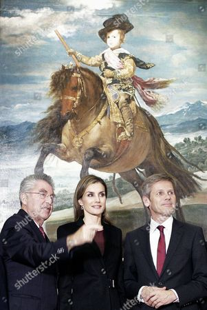 (l-r) Austria's Federal President Heinz Fischer Spanish Queen Letizia and Austrian Minister of Culture Josef Ostermayer Stand in Front of the Painting 'Prince Baltasar Carlos on Horseback' by Spanish Artist Diego Velazquez During the Opening of the Velazquez Exhibition at the Art History Vienna Museum in Vienna Austria 27 October 2014 the Exhibition Runs From 28 October 2014 to 15 February 2015 Austria Vienna
