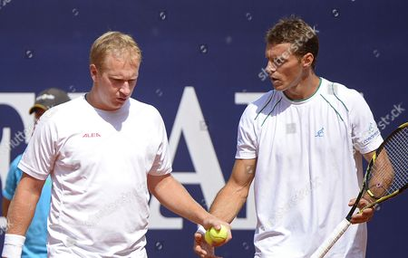 Czech Republic's Lukas Dlouhy (l) and Frantisek Cermak (r) Confer During Their Men's Double Final Match Against Germany's Martin Emmrich and Christopher Kas at the Atp Tennis Tournament in Kitzbuehel Austria 03 August 2013 Austria Kitzbuehel