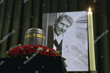 The Urn of Austrian Entertainer Udo Juergens is on Display in Front of His Portrait During His Funeral Ceremony in Vienna Austria 22 January 2015 Juergens Died on 21 December 2014 of Acute Heart Failure in Muensterlingen Switzerland at the Age of 80 Austria Vienna