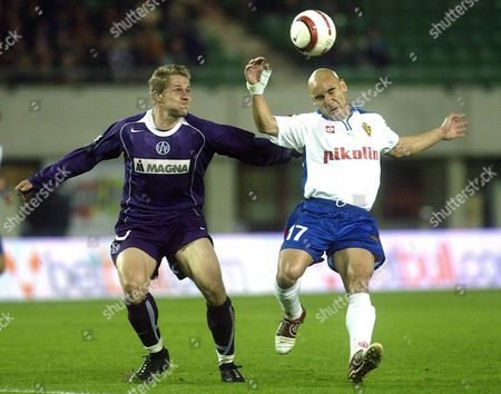 Austria Vienna Player Markus Kiesenebner (l) Challenges For the Ball with Real Saragossa's Player Jose Maria Movilla (r) During Their Uefa Cup Group C Soccer Match at the Ernst Happel Stadium in Vienna Thursday 04 November 2004 Austria Vienna