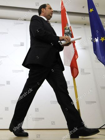 Stock Image of Austrian Vice Chancellor Finance Minister and Leader of Austrian Peoples Party Josef Proell Arrives to Deliver a Press Statement on Wednesday 13 April 2011 in Vienna During Which He Announced His Resignation From All Political Positions He Said He was Leaving For Health Reasons Last Month He Suffered a Pulmonary Embolism While Skiing Austria Vienna