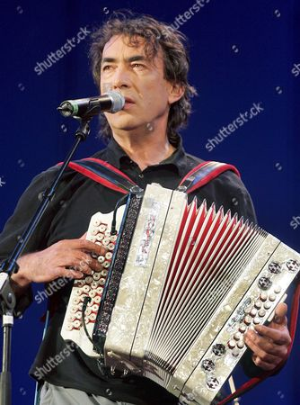 Austrian Musician Hubert Von Goisern Performs During the Opening of the Vienna Festival Week 2007 in the Rathausplatz in Vienna Austria 11 May 2007 Hubert Von Goisern who Presented the Evening Played a Number with His New Band and Sang a Duet with Bobby Mcferrin Austria Vienna