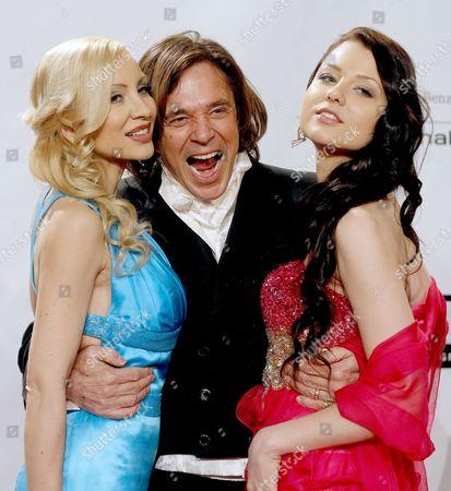 German Singer Juergen Drews (c) with His Wife Ramona Drews (l) and Daughter Joelina Drews Arrive For the 4th Film Ball in Vienna Austria 15 March 2013 Austria Vienna