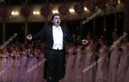 Epa04103113 Canadian Tenor Michael Schade Performs During the Opening Ceremony of the Vienna Opera Ball at the State Opera in Vienna Austria 27 February 2014 Epa/herbert Neubauer Austria Vienna