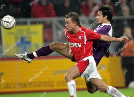 Ivica Vastic of Fk Austria Magna (r) Fights For the Ball Against Jordy Zuidam of Fc Utrecht During Their Uefa Cup Group C Soccer Match Held at the Galgenwaard Stadium in Utrecht Thursday 16 December 2004 Netherlands Utrecht