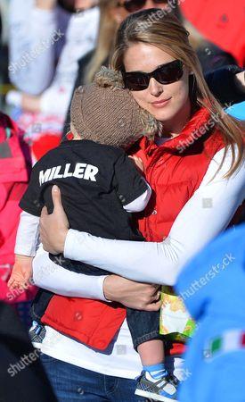 Morgan Beck Miller Wife of Us Skier Bode Miller is Seen with Their Son Nate During the Men's Super G Race at the Fis Alpine Skiing World Cup Finals in Parpan-lenzerheide Switzerland 13 March 2014 Switzerland Schweiz Suisse Lenzerheide