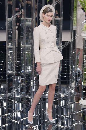 Sofia Mechetner on the catwalk
