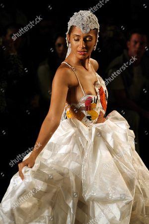 Brazilian Actress Camila Pitanga Wears a Design by Fabia Bercsek During Sao Paulo Fashion Week in Sao Paulo (brazil) 15 June 2007 Brazil Sao Paulo
