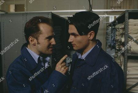 Matthew Vaughan (as Michael Feldmann) and Gavin Kitchen (as Steve Marshal) on Michael Feldmann's first day in prison after conviction for robbery (Ep 1744 - 4th March 1993)
