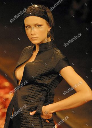 Model Ana Claudia Michels Takes to the Catwalk Wearing a Design by Lino Villaventura on Friday 24 January 2004 in Sao Paulo During the Sao Paulo Fashion Week Fall-winter Collection This is the Biggest Fashion Event in Brazil Brazil Sao Paulo