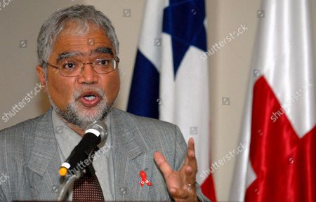 Special Representative For Hiv and Aids of the International Federation of Red Cross and Red Crescent Societies (ifrc) Mukesh Kapila Address a Speech During the Presentation of the Hiv Global Alliance in Panama City on 6 August 2007 a Project Which Works in Education and Prevention Programs Against Hiv's Epidemic Panama Panama City
