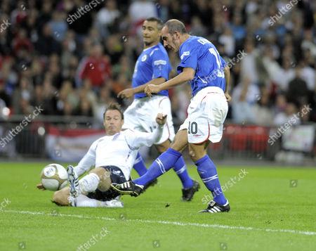 Paulo Di Canio scores