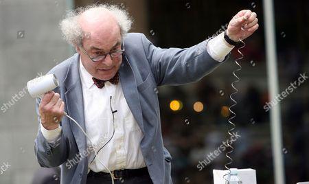 Professor Heinz Wolff in Paddington, London