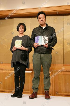 Riku Onda with her book 'Honey Bee and Distant Thunder', and Yamashita Sumito with his book 'Shinsekai'