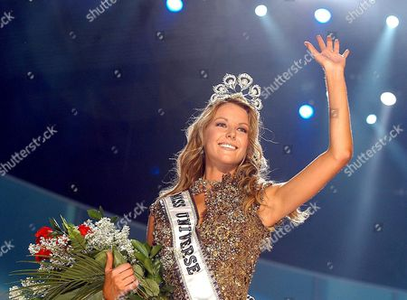Editorial picture of Ecuador Miss Universe Contest - Dec 2004